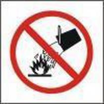 Zákazová bezpečnostní tabulka - Nehas vodou ani pěnovými přístroji, 92 x 92 mm, samolepicí fólie