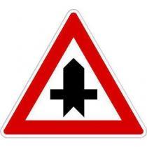 Dopravní značka Křižovatka s vedlejší pozemní komunikací (P1)