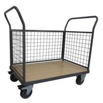 Plošinový vozík Manutan se dvěma madly s mřížovou výplní a boční stěnou, do 500 kg, 99 x 134,6 x 81,3 cm