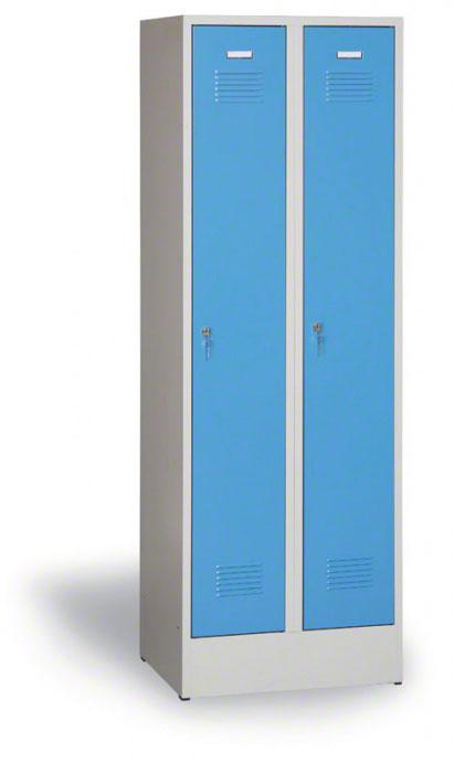 Kovová šatní skříň demontovaná, modré dveře, otočný zámek