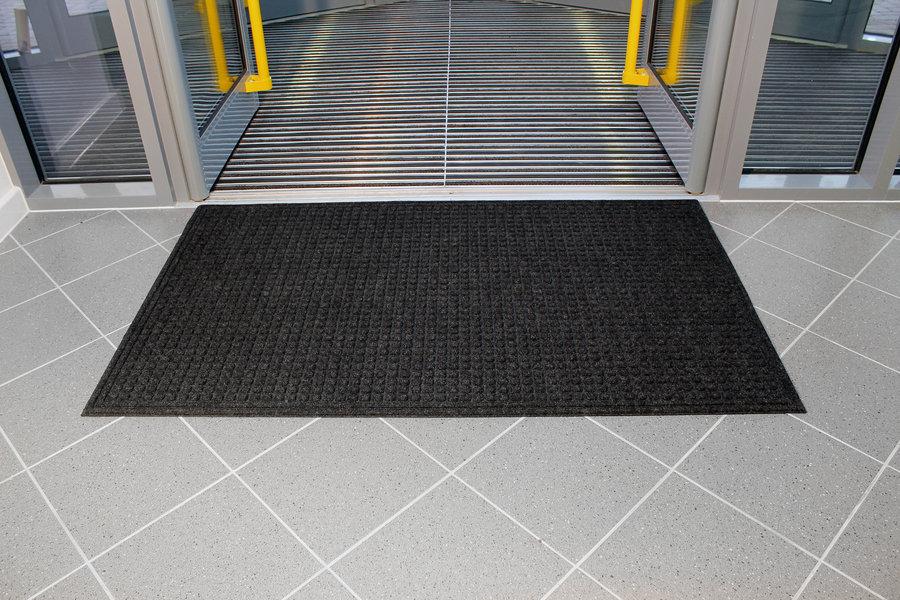 Černá plastová čistící vnitřní vstupní rohož - 90 x 60 x 1 cm
